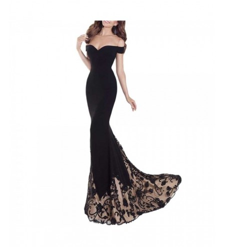 A Floor-Length Black Banquet Dress with An Off-The-Shoulder Gown