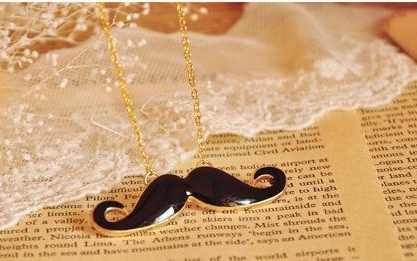Mix Match Rhinestone Embellished Mustache Shape Pendant Alloy Women's Sweater Chain Necklace